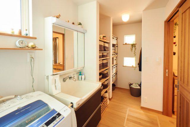 洗面脱衣室 - もみの木ハウス - 施工事例
